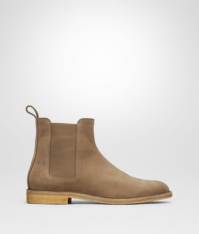 BOTTEGA VENETA VOORTREKKING BOOT IN CAMEL SUEDE Boots and ankle boots Man fp