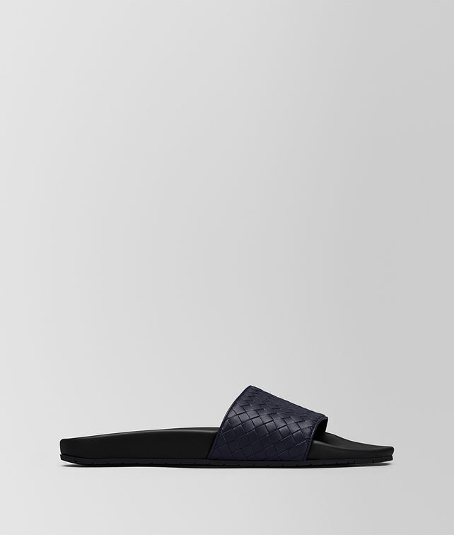 BOTTEGA VENETA DARK NAVY INTRECCIATO CALF LAKE SANDAL Sandals Man fp