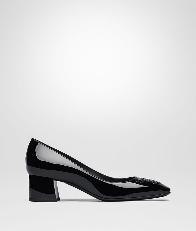 BOTTEGA VENETA CHERBOURG PUMPS IN NERO PATENT CALF, INTRECCIATO DETAILS Pump or Sandal D fp
