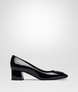 CHERBOURG PUMPS IN NERO PATENT CALF, INTRECCIATO DETAILS