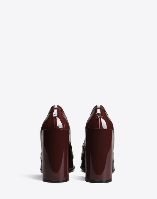 MAISON MARGIELA 22 Patent calfskin loafer pumps Closed-toe slip-ons D d