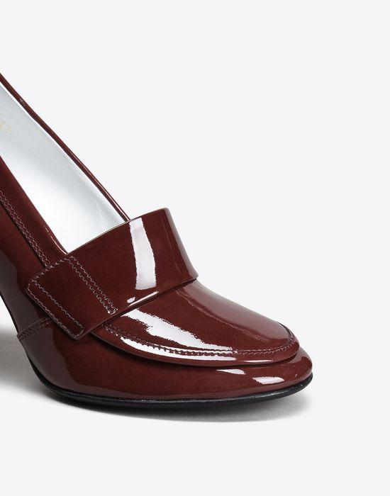 MAISON MARGIELA 22 Patent calfskin loafer pumps Closed-toe slip-ons D e