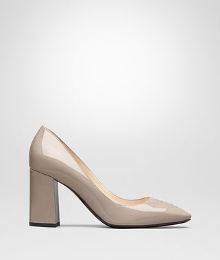 CHERBOURG PUMPS IN MINK PATENT CALF, INTRECCIATO DETAILS