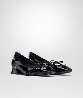 CHERBOURG PUMPS IN NERO MIST PATENT CALF, INTRECCIATO DETAILS