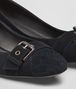 BOTTEGA VENETA CHERBOURG PUMPS IN DARK NAVY PATENT CALF, INTRECCIATO DETAILS Pump or Sandal D ap