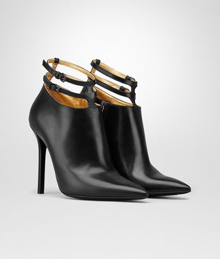 黑色小牛皮TIPPIE短靴