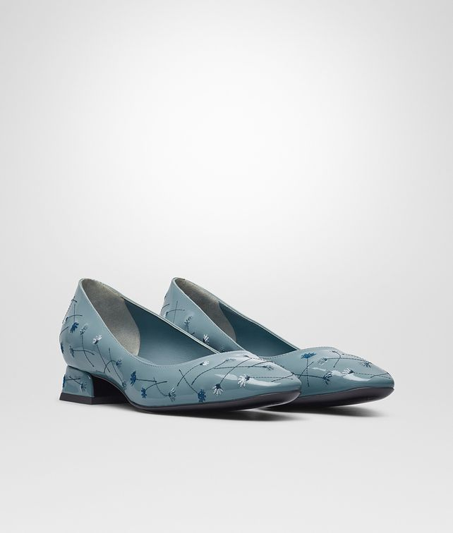 BOTTEGA VENETA CHERBOURG PUMPS IN AIR FORCE BLUE EMBROIDERED PATENT CALF Pump or Sandal D fp