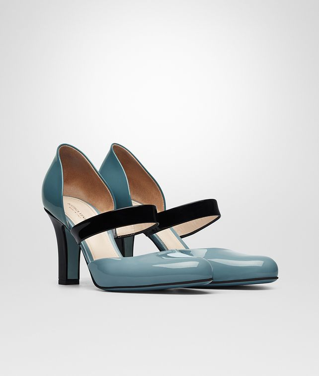BOTTEGA VENETA BETTE PUMPS IN AIR FORCE BLUE NERO BRIGHTON PATENT CALF Pump or Sandal D fp