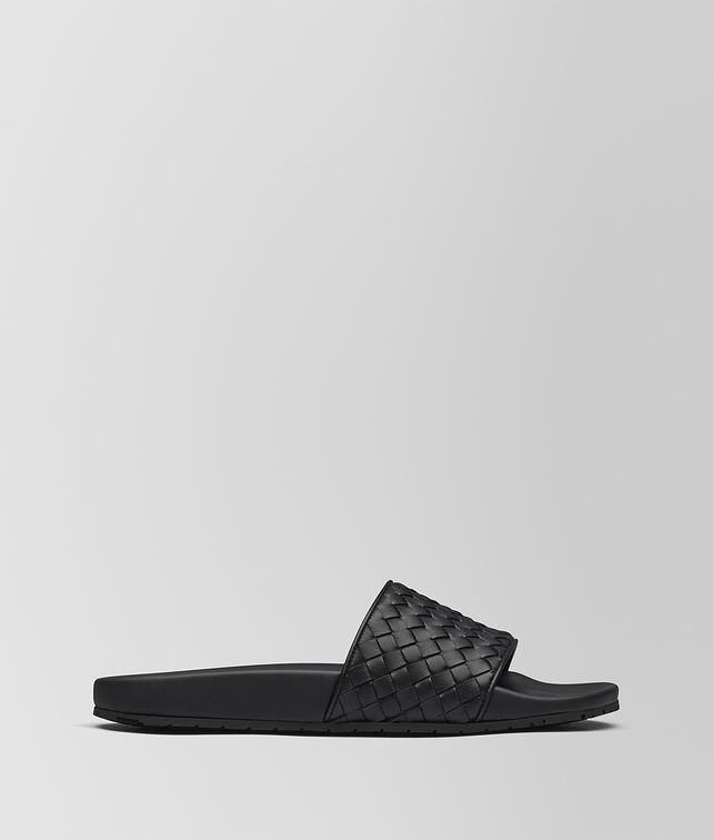 BOTTEGA VENETA LAKE SANDAL IN NERO INTRECCIATO CALF Pump or Sandal D fp