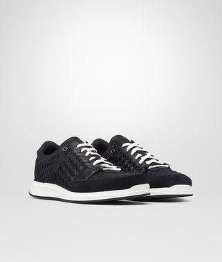 黑色多材料运动鞋,编织细节