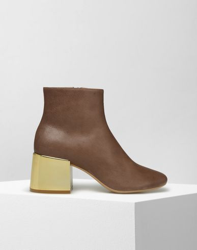 MM6 by MAISON MARGIELA Ankle boots D Bi-coloured ankle boots in ovine leather f