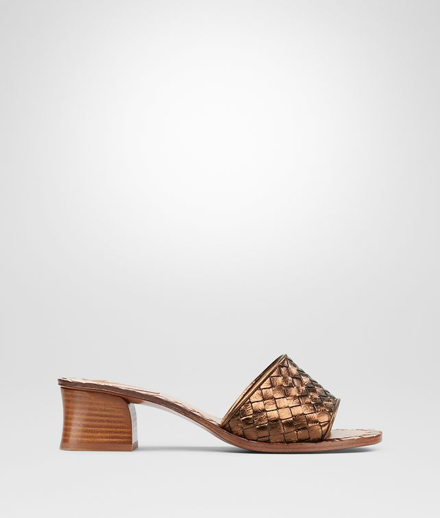 BOTTEGA VENETA RAVELLO SANDALS IN CALVADOS INTRECCIATO CALF Pump or Sandal D fp