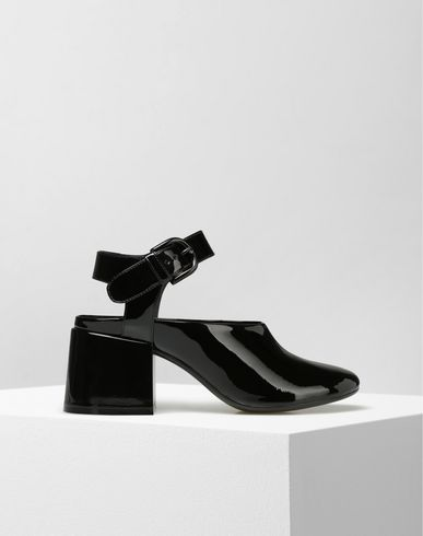 MM6 by MAISON MARGIELA Sandals D Patent leather sandals f