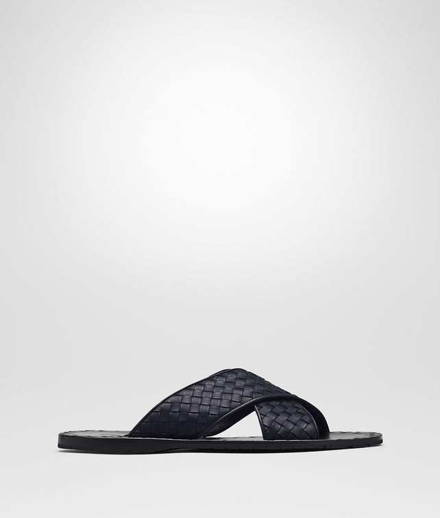 BOTTEGA VENETA ESHER SANDAL IN DARK NAVY INTRECCIATO CALF Sneaker or Sandal Man fp
