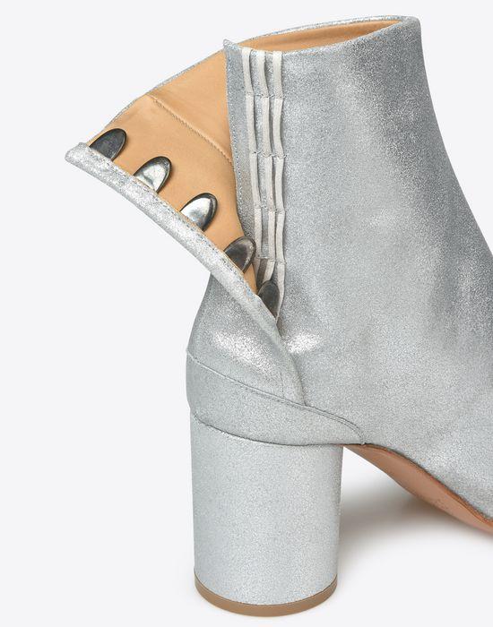 MAISON MARGIELA 'Tabi' boots Ankle boots D e