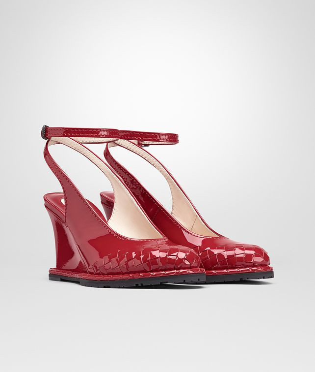 BOTTEGA VENETA WEDGE IN CHINA RED INTRECCIATO PATENT CALF Pump or Sandal Woman fp