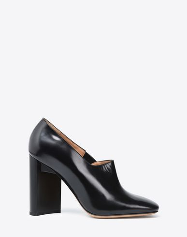 MAISON MARGIELA 22 Calfskin court shoes Closed-toe slip-ons D f