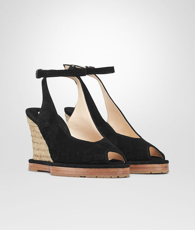 BOTTEGA VENETA WEDGE IN NERO INTRECCIATO SUEDE Sandals Woman fp
