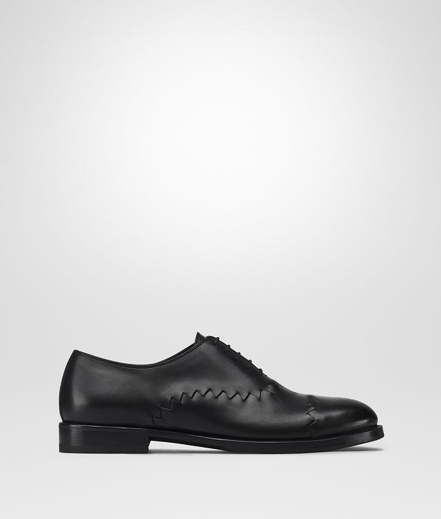 BOTTEGA VENETA REYN LACE UP IN NERO CALF, INTRECCIATO Lace Ups Man fp