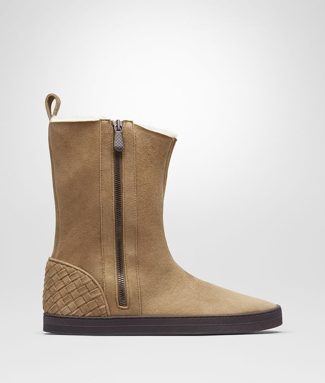 BOTTEGA VENETA WINTER LAGOON BOOT IN CAMEL MONTONE, INTRECCIATO DETAILS Boots and ankle boots D fp