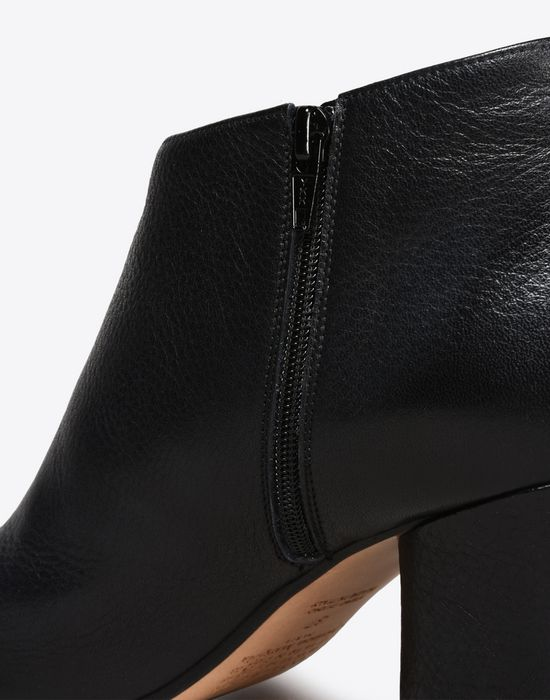 MAISON MARGIELA Calfskin open-toe ankle boots Sandals D e