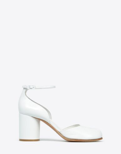 MAISON MARGIELA 22 Sandals D Patent leather Tabi pumps f
