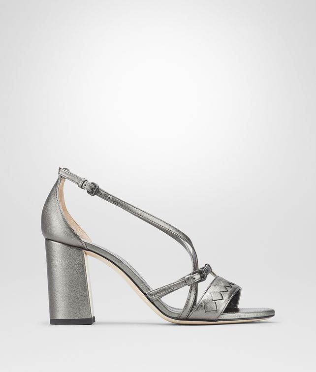 BOTTEGA VENETA CHERBOURG SANDAL IN ARGENTO ANTIQUE NAPPA, INTRECCIATO DETAILS Pump or Sandal Woman fp