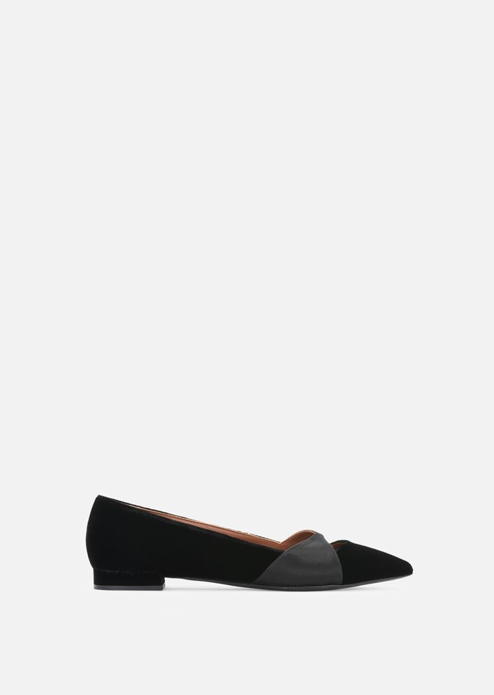 7d2ad88b86cf1 LEATHER BALLET FLATS COVERED IN SATIN AND VELVET | Woman | Emporio Armani