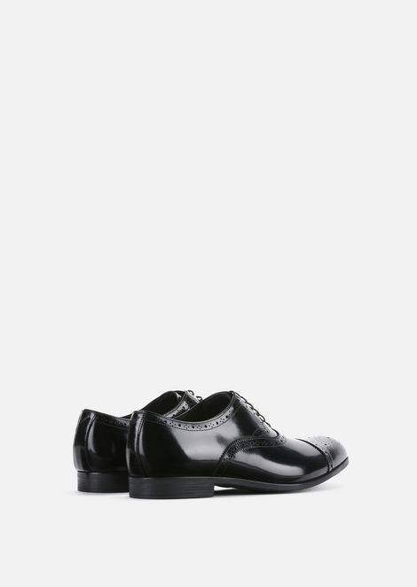 Brogues in brushed fumé leather