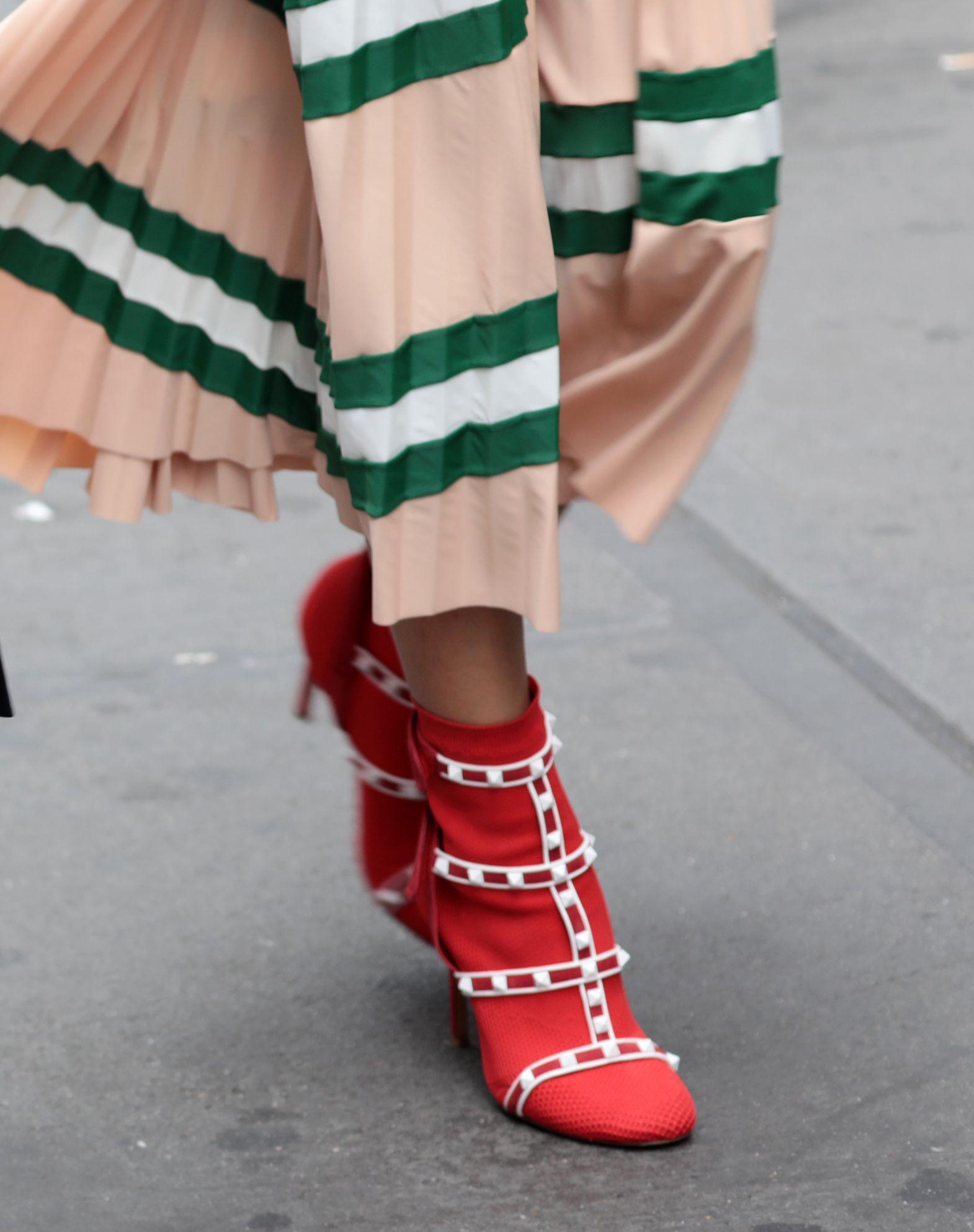 RED Valentino Rockstud ankle boots wvUmlU