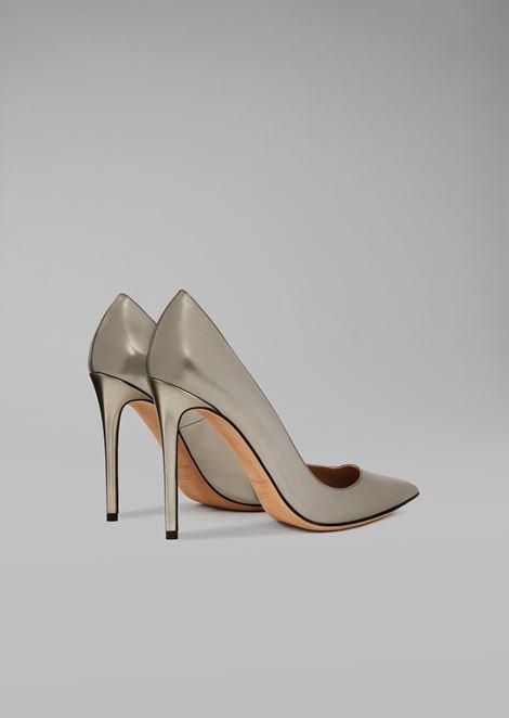 Laminated leather court shoe
