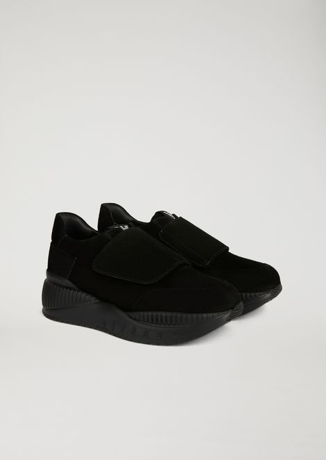 Sneakers con suola alta in suede