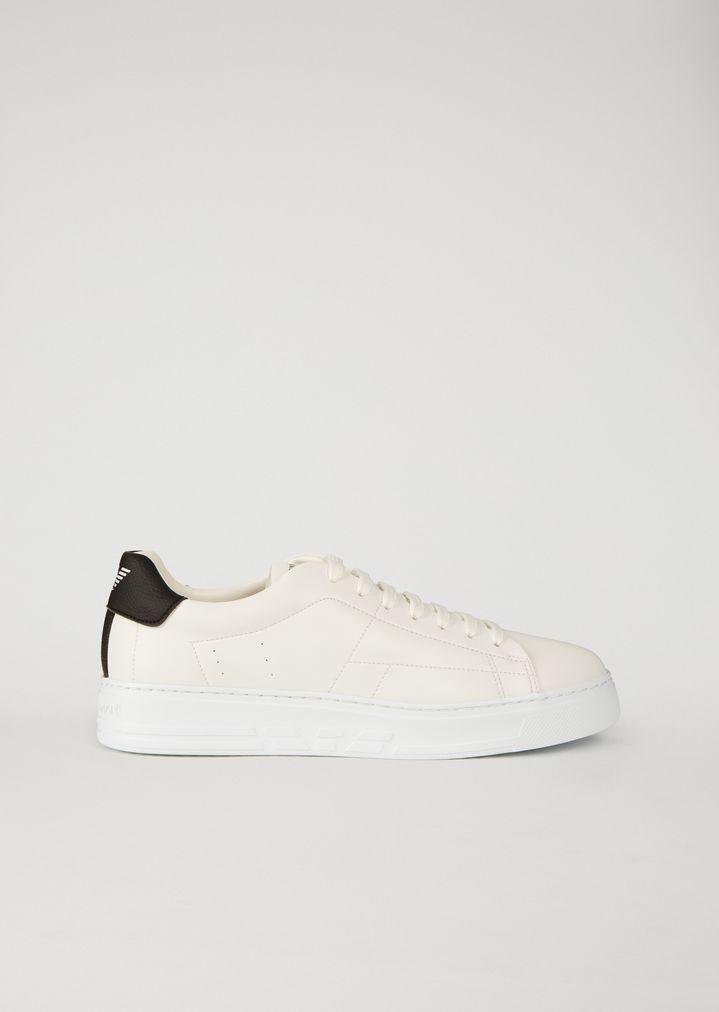 Sneakers in similpelle con inserto logato  43595a686f2