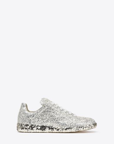 "MAISON MARGIELA Sneakers D ""Replica"" sneakers in ultra-durable glitter canvas. Leather interiors. Matching rubber soles. f"