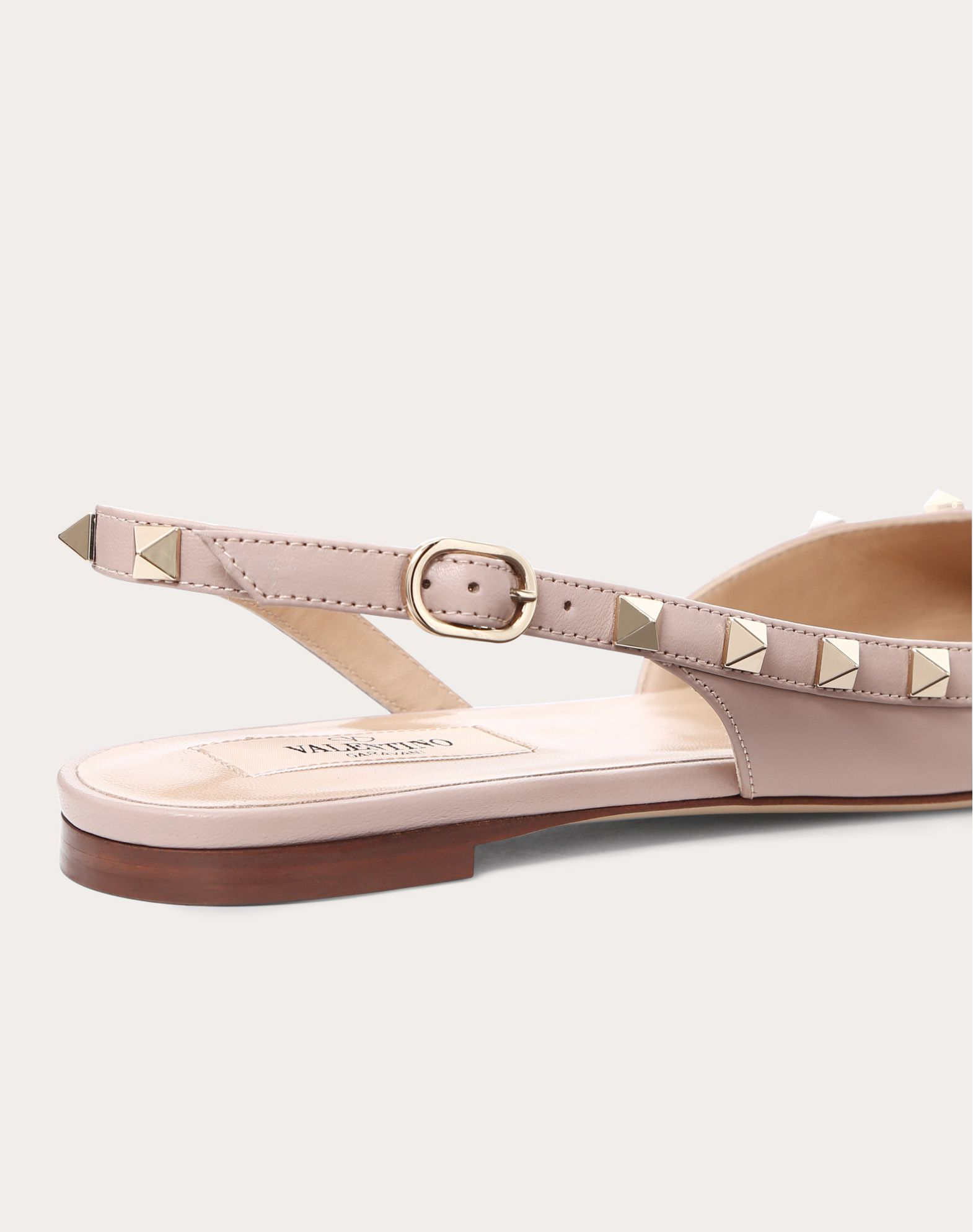 VALENTINO Buckle Narrow toeline Leather sole Studs  11470568dh