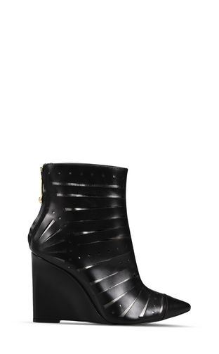 High ankle boot with cut-outs