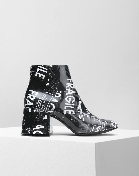 MM6 MAISON MARGIELA Fragile' print ankle boots Ankle boots [*** pickupInStoreShipping_info ***] f
