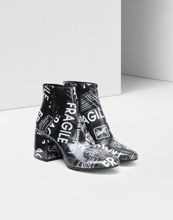 MM6 MAISON MARGIELA Fragile' print ankle boots Ankle boots [*** pickupInStoreShipping_info ***] r