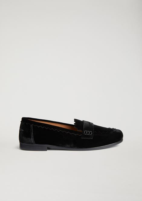 Velvet loafers with zigzag trims