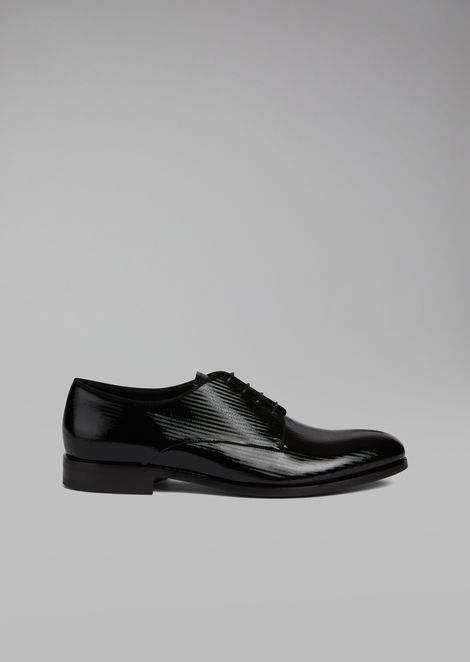 Patent leather Derby with micro-chevron print