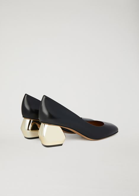 Nappa leather court shoe with chromium-plated hexagonal heel