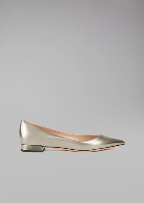 Laminated leather pointed ballet flats