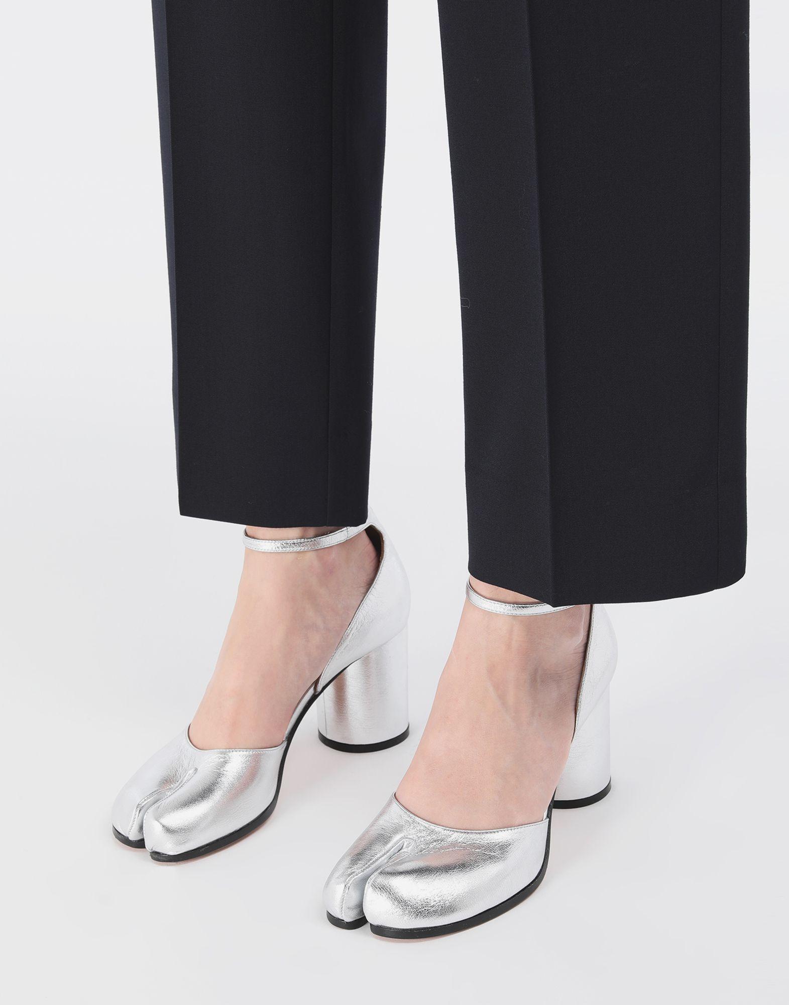 MAISON MARGIELA Sandales Tabi argentées Escarpins Tabi Femme r