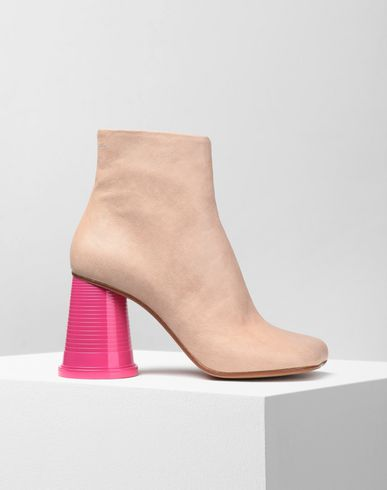 MM6 MAISON MARGIELA ショートブーツ レディース Ankle boots with cup heels f