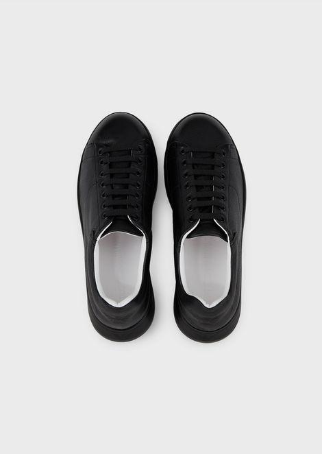 Sneakers in pelle di cervo con suola over