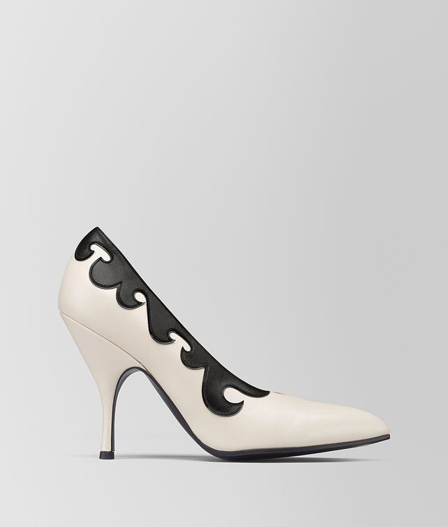 BOTTEGA VENETA MIST/NERO KID MOODEC CURL PUMP Pump [*** pickupInStoreShipping_info ***] fp