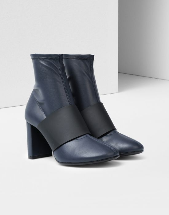 MM6 MAISON MARGIELA Ankle boots with strap Ankle boots [*** pickupInStoreShipping_info ***] r
