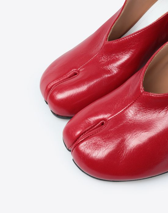 MAISON MARGIELA Tabi ankle strap sandals Closed-toe slip-ons [*** pickupInStoreShipping_info ***] e