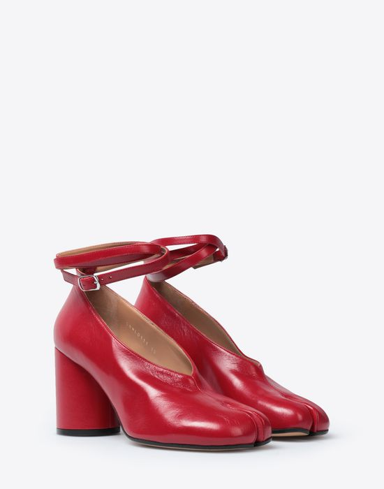 MAISON MARGIELA Tabi ankle strap sandals Closed-toe slip-ons [*** pickupInStoreShipping_info ***] r