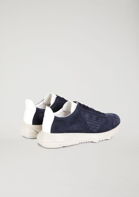 Sneakers de ante con suela de goma labrada